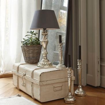 zaujímavá interiérová vintage lampa