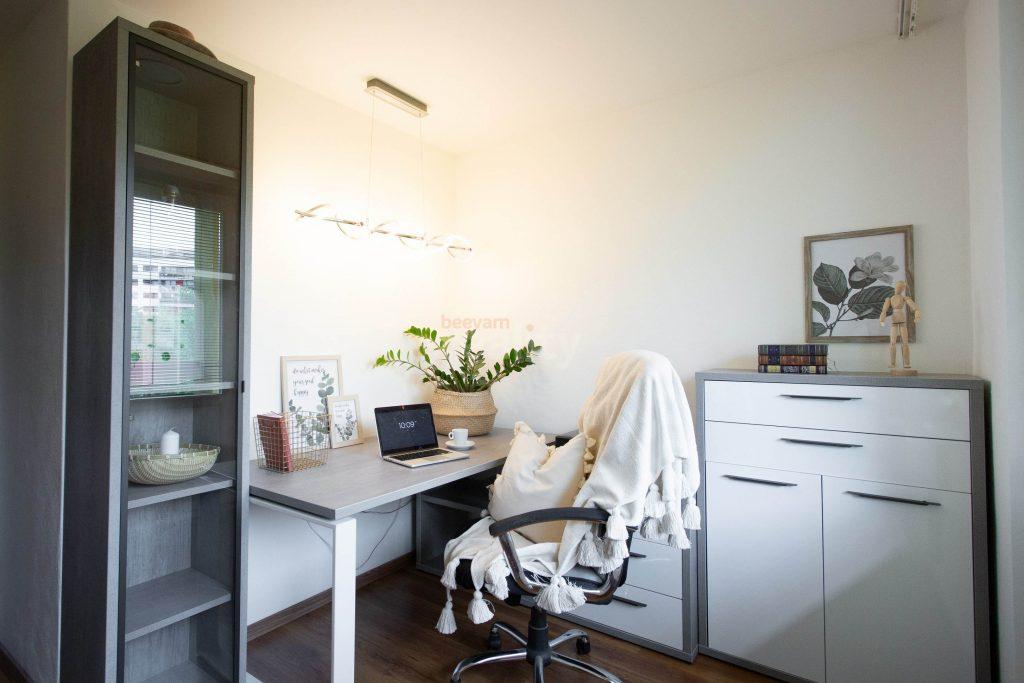 moderný interiér pracovne