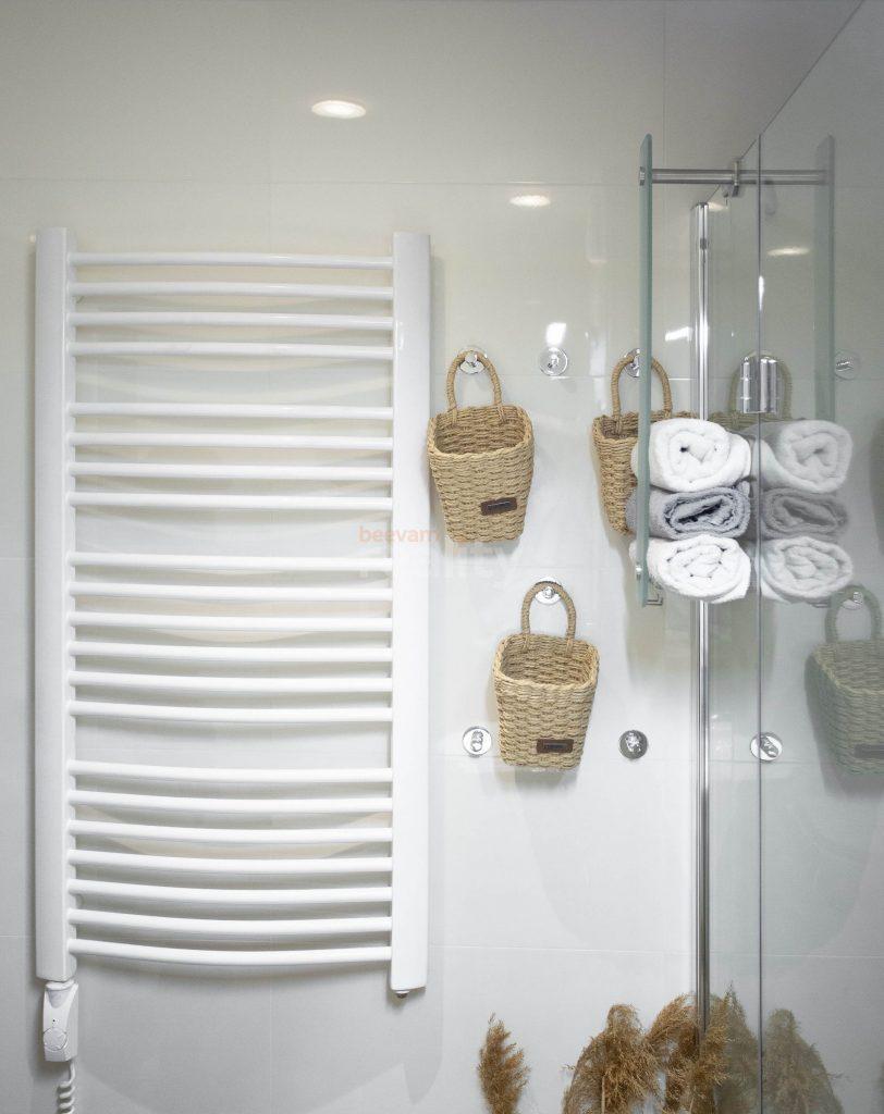 krásna a čistá kúpeľňa po úprave a homestagingu