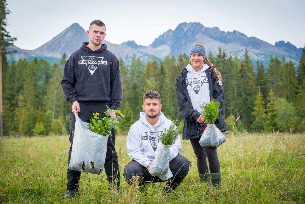 traja mladí zakladatelia OZ Pure Slovakia