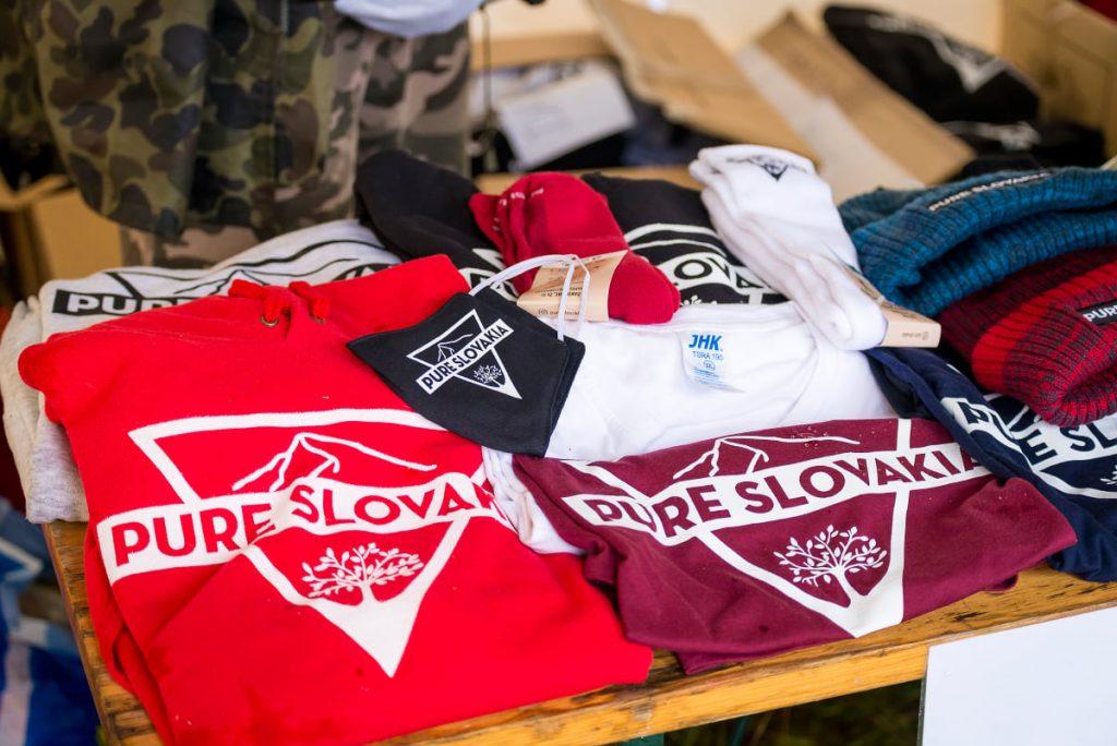 edícia tričiek a mikín s logom OZ Pure Slovakia v ponuke