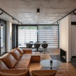 elegantná obývacia miestnosť rodinného domu nominovaného do súťaže