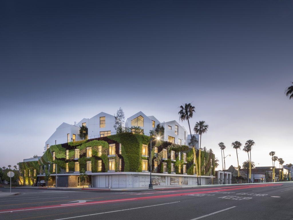 moderné bývanie v rušnom meste - Beverly Hills