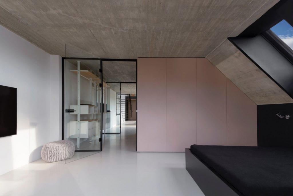 krásny interiér mezonetového bytu v Bratislave