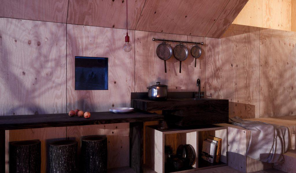 architektonický skvost: chata situovaná v prírode so zaujímavým dizajnom