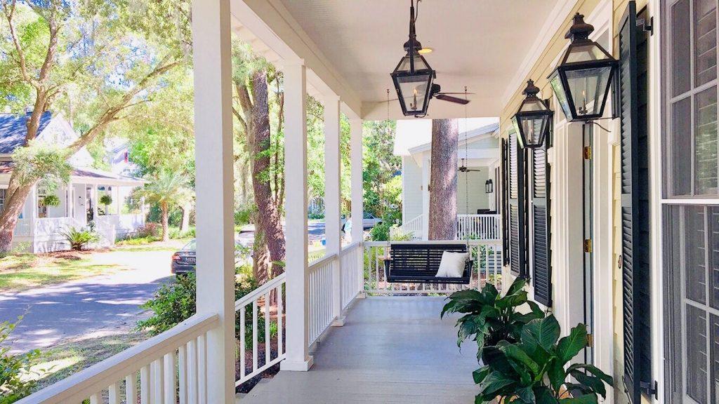 terasa pred domom - dom v americkom štýle
