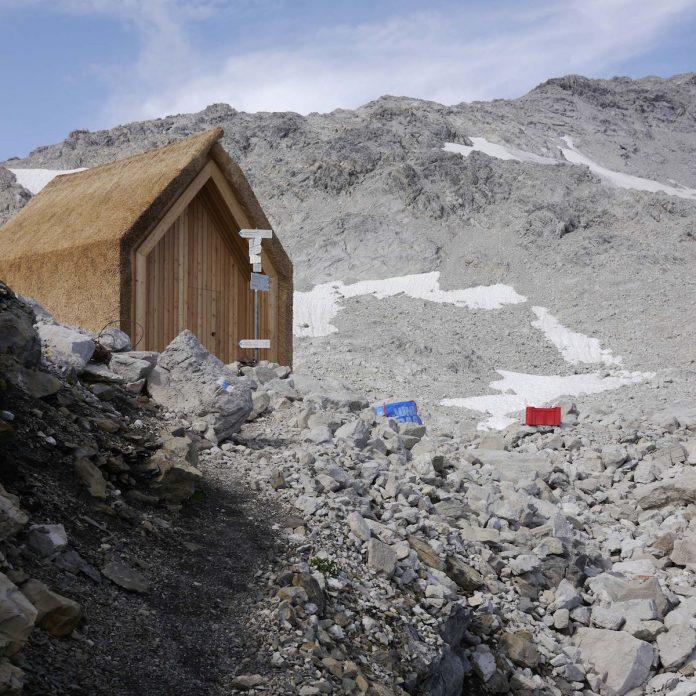 drevená stavba v alpách
