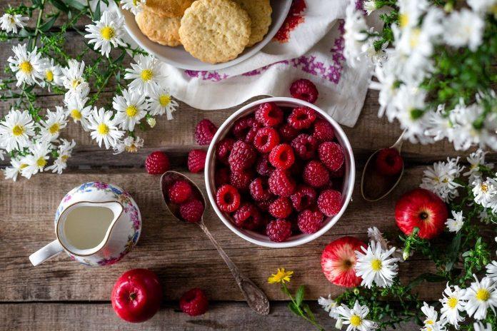 čerstvé a zdravé maliny vypestované vo vlastnej záhrade