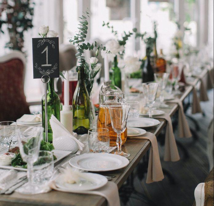 Prestretý stôl svadobná hostina