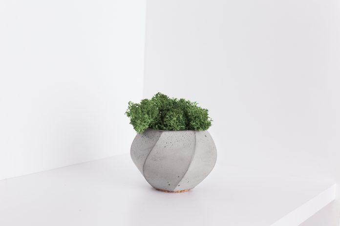 Betónový kvetináč
