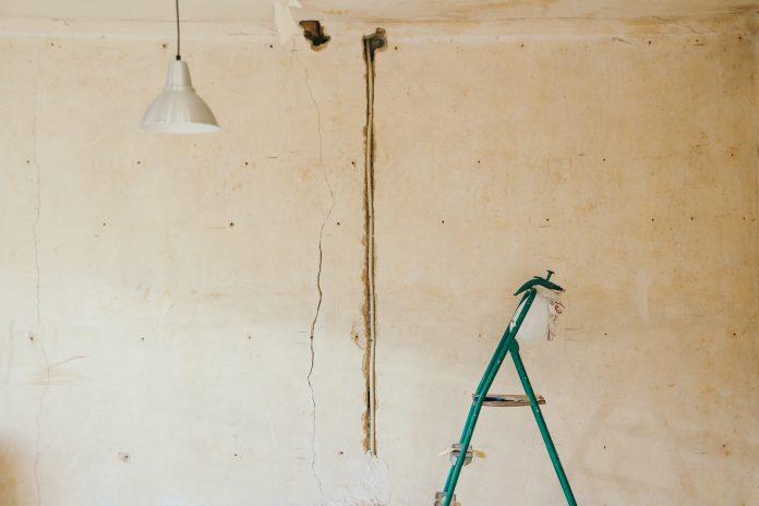Rebrík a lampa