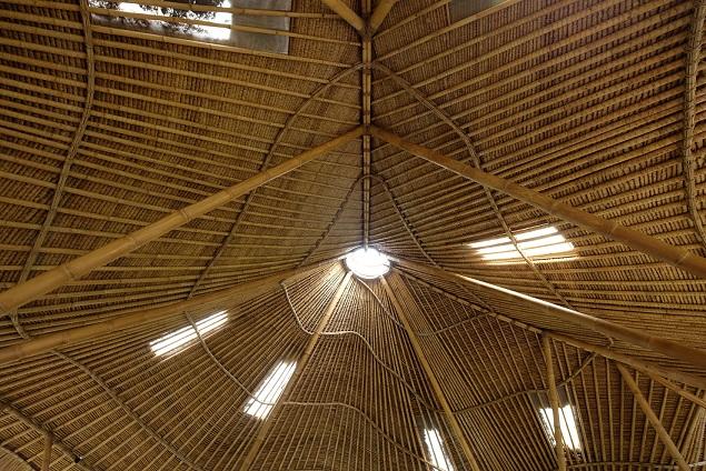Bambusová strecha