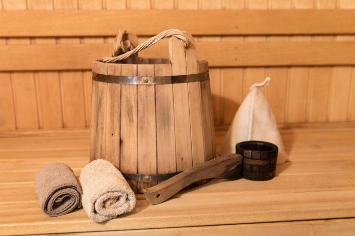 Sauna z dreva drevené vedro